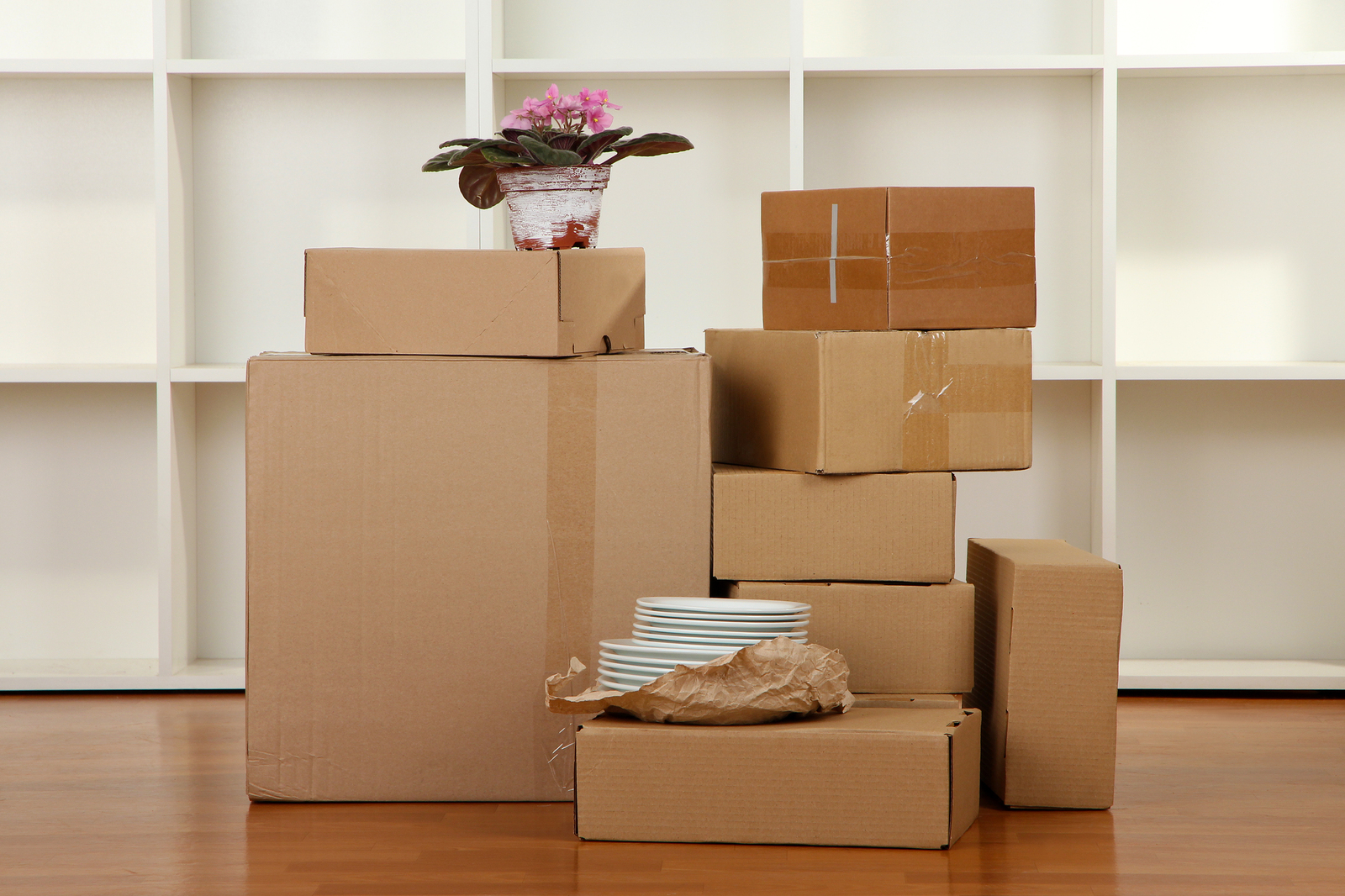 LUCKY MOVERS & PACKERS IN DUBAI